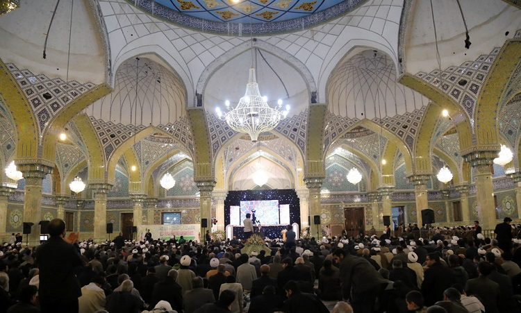 A ceremony marks birth anniversary of Imam al-Askari, with presence of religious authorities