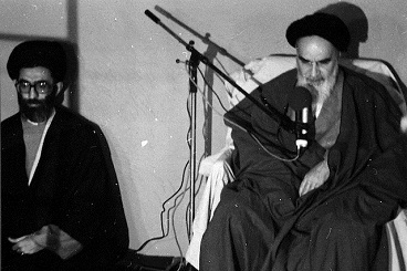 Which supplication did Imam Khomeini love the most? Ayatollah Khamenei narrates