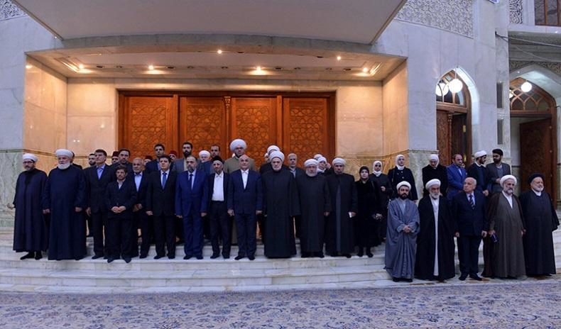Syrian minister of religious endowments (Awqaf) pays tribute to Imam Khomeini