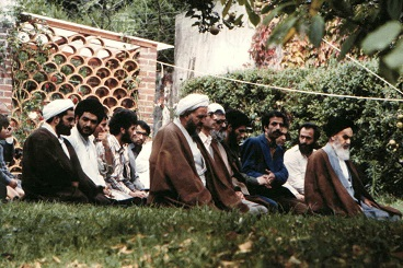 Imam Khomeini recommended to get rid of selfish desires and egoism