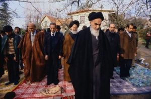 Wonderful Documentary Shows Imam Khomeini as Great Leader of all Times