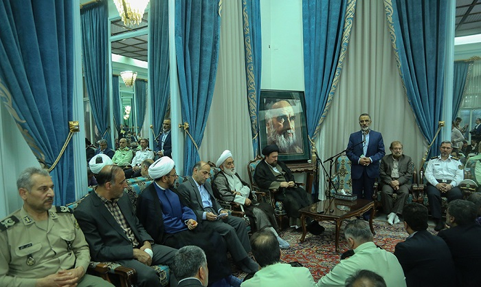Members from central headquarters of Imam Khomeini`s commemoration meet Seyyed Hassan Khomeini