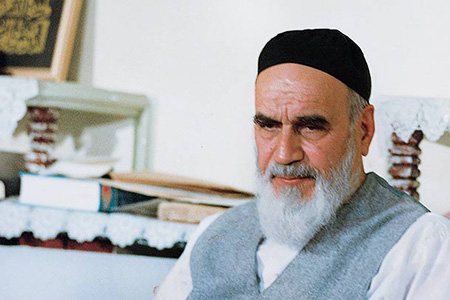 Imam Khomeini heeded religion with rationality and principles