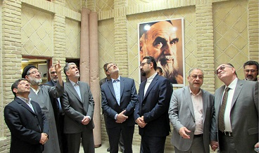 Iran`s Minister of Culture visits Imam Khomeini`s historic residence in holy city of Najaf