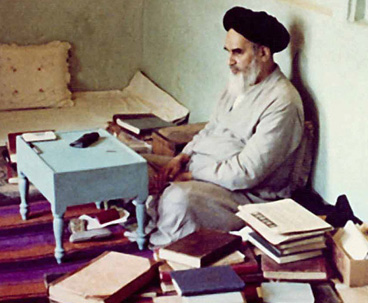 Imam Khomeini stressed illuminated intellect and reasoning