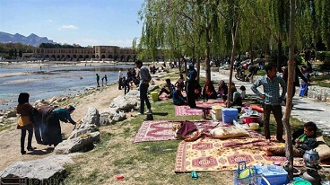 People across Iran mark ancient festival of nature, Nature Day revives spiritual values