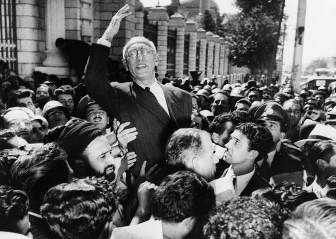August 1953 coup and mistakes by then Prime Minister Mosaddeq