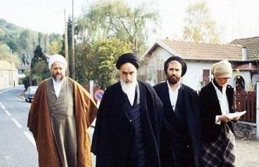 Video shows Imam Khomeini distributing gifts to his Christian neighbors for Christmas