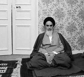 Imam Khomeini monitored revolution struggle, foiled all plots by Shah regime