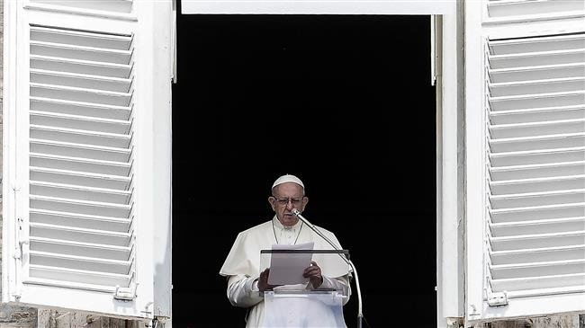 In his Christmas message, Pope appeals for peace