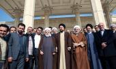 Guests attending 'Islamic unity summit' meet Seyyed Hassan Khomeini