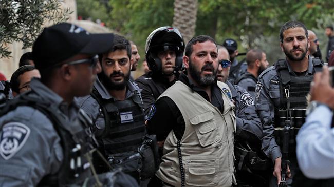 Israeli settlers raid Aqsa Mosque