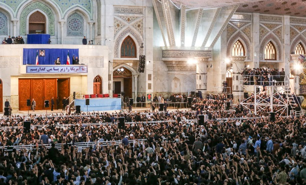 Thousands converge on Imam Khomeini shrine on 30th passing anniversary
