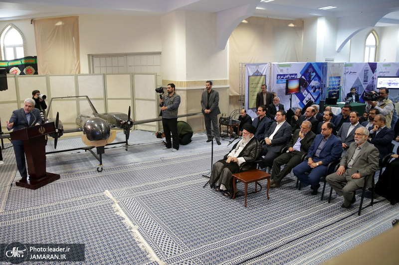 Leader of the Islamic Revolution pays a visit to exhibition of high-tech companies