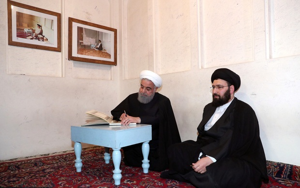 Iranian President Hassan Rouhani visited the historic house of Imam Khomeini in Najaf