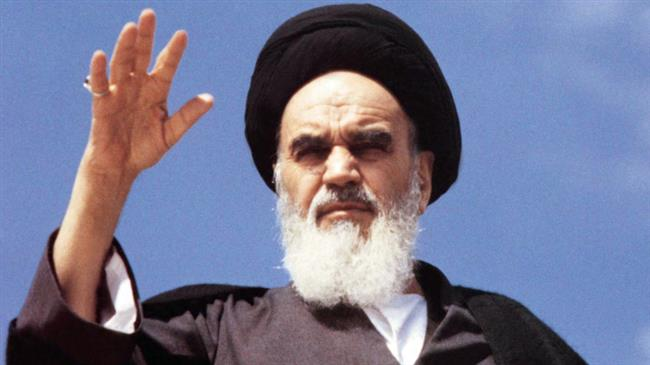 Humans can deliver themself from all levels of deficiency, Imam Khomeini explained