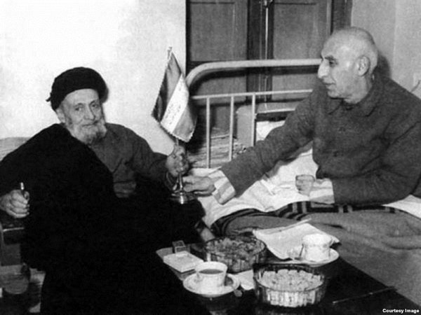 US current hostile relationship towards Iran should be traced back to 1953