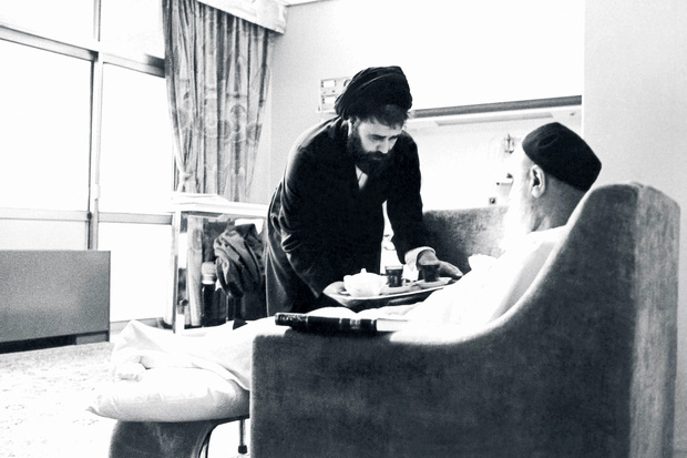 Rare photo shows Seyyed Ahmad, Imam Khomeini's son serving him in hospital