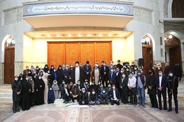 Seyyed Hassan Khomeini meets a group of foreign student from Tehran medical University on the occasion of New Year 2021