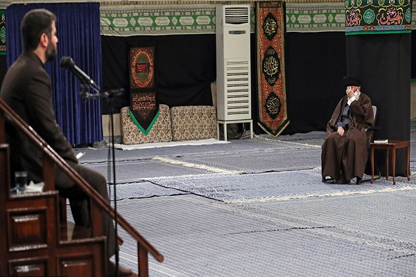 Special supplication on the occasion of Arbaeen was recited at Imam Khomeini Hosseiniah in the presence of the leader of the Islamic Revolution