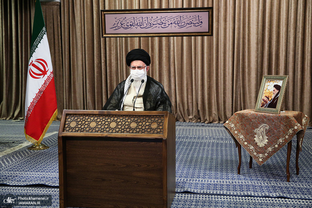 Leader says sacred defense proved invading Iran very costly