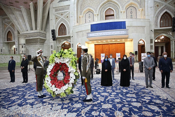 Members of the executive council and the board of directors of the Nursing Organization pledge allegiance with the ideals of Imam Khomeini