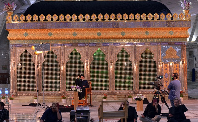 The spiritual ceremonies on Qadr nights of the blessed fasting month of Ramadan at Imam Khomeini's shrine