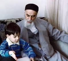 Imam distinguished right or wrong for children with practical conduct, behavior