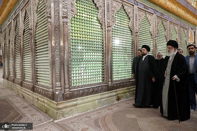 Leader pays tribute at Imam Khomeini shrine as Iran starts 10-day celebrations on anniversary of Islamic Revolution