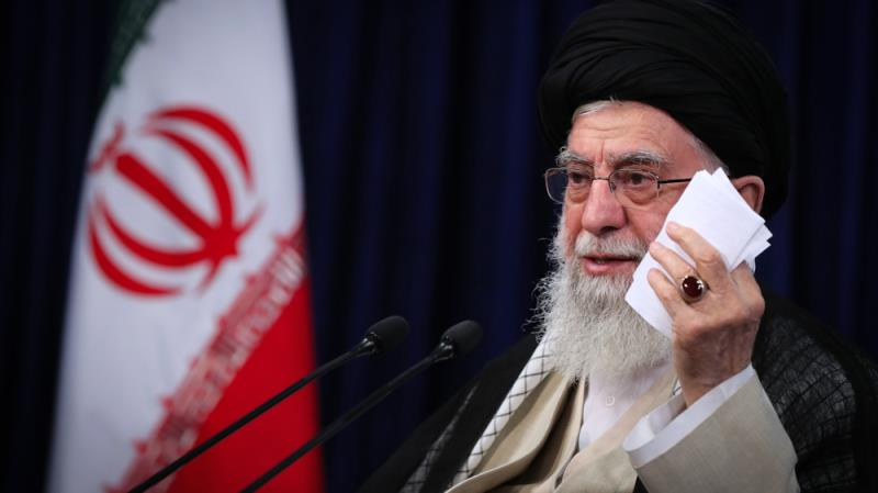 Leader says Iran's economy should not be tied to foreign developments