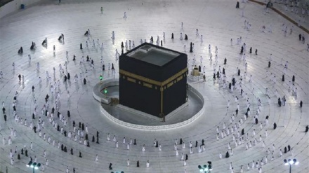 Limited Umrah pilgrimage resumes after coronavirus hiatus