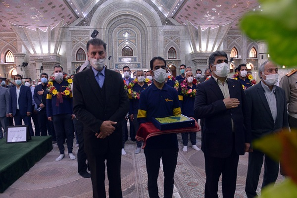 Personnel from various institutions, judiciary, insurance sector and different ministries pledge allegiance with Imam Khomeini`s ideals