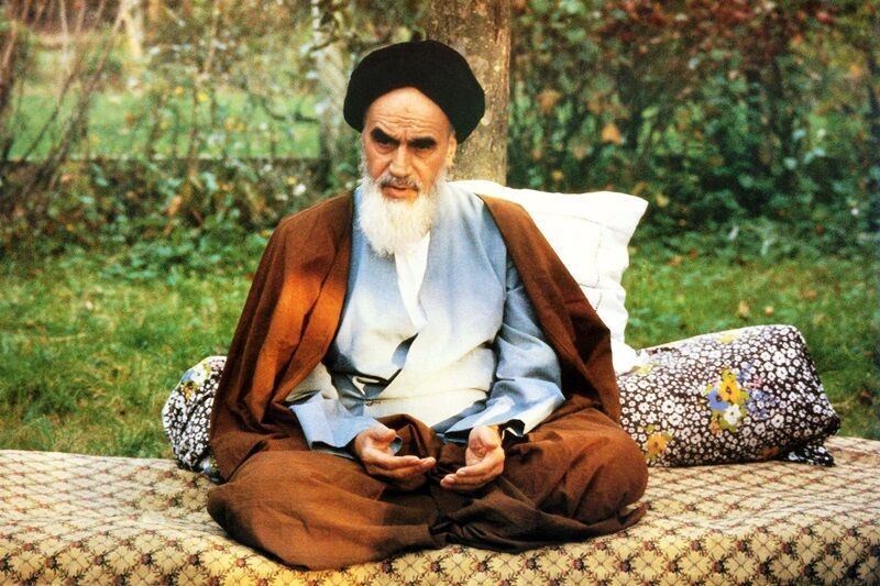 Imam Khomeini advised believers to seek divine assistance