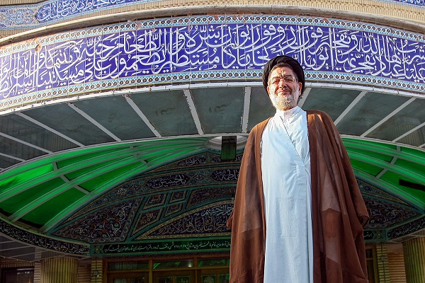 Late Hojjat al-Islam Seyed ali Akbar Mohteshemipur, a fellow of Imam and former interior minister in pictures