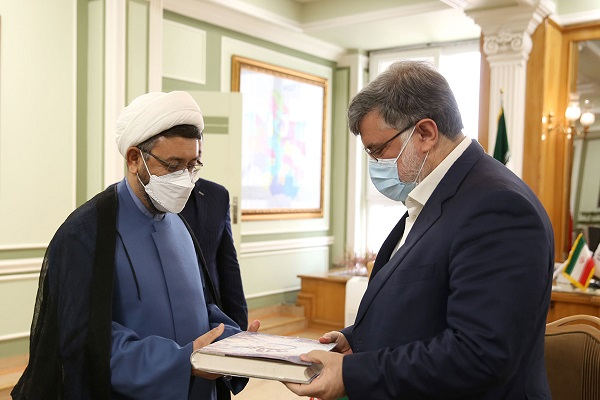 The acting head of the institute for compilation and publication of Imam Khomeini's works visits Khorasan Razavi province