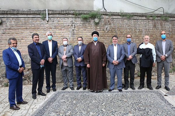 Secretary General and members of the central council of the National Trust Party (`Etmad-e-Melli) meet Seyed Hassan Khomeini