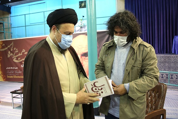 "The author and publisher of the book ""Blood of the Heart"" meets Seyed Hassan Khomeini"