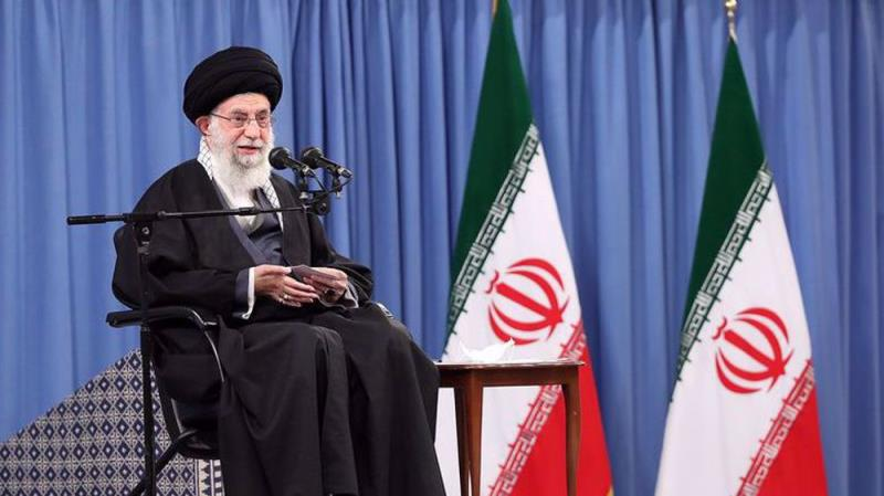 Leader says Islamic Revolution gives leading role to Iranian youths in key issues