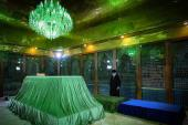The leader visits and pays a pilgrimage at Imam Khomeini's shrine