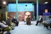 The editor-in-chief of 'Etemad Newspaper' and other staff meet Seyyed Hassan Khomeini