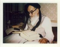 Imam Khomeini sometimes used to recite ten chapters of Quran daily in Ramadan