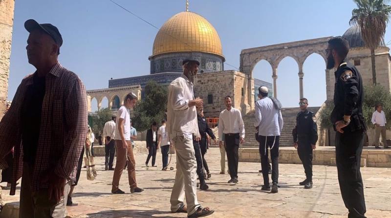 Israeli settlers storm al-Aqsa Mosque on Jewish New Year