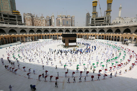 Resistance key to ending US intervention in Islamic nations: Leader's Hajj message