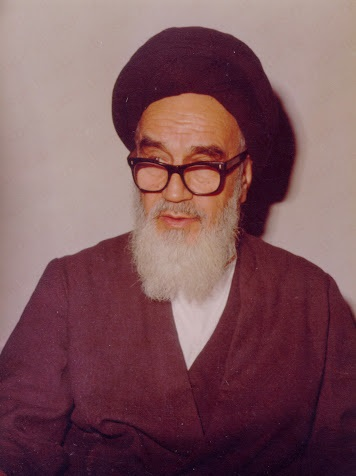 Imam Khomeini resorted to rationality, rejected false claims or delusions
