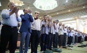 La prière de la fête du Sacrifice (Aïd al-Adha) dans le Mosallâ de l`Imam Khomeiny, sous l`imamat de l'ayatollah Mohammad Emami Kashani