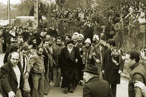 Comment était la relation entre les habitants chrétiens de Neauphle-le-Château et l`Imam Khomeiny ?