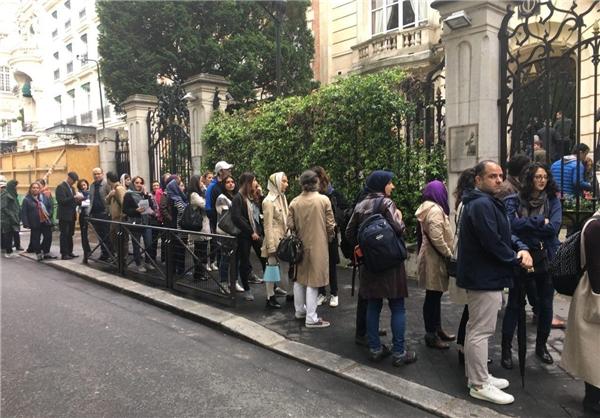 De plus en plus de bureaux de vote ouvrent à l'étranger pour que les ressortissants iraniens puissent élire leur futur président.