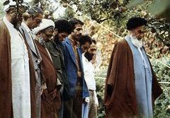 Particularités de la conduite individuelle de l'Imam (Que DIEU le bénisse) à Neauphle-le-Château