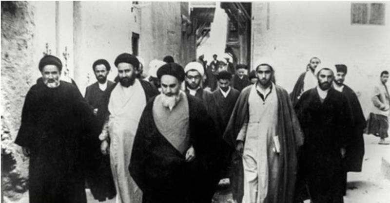 Comment l`Imam Khomeiny (Que DIEU le bénisse) rappelait-il à ses disciples d`observer les droits des autres ?