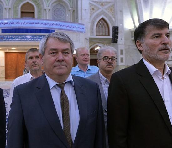 Vtech philips, le vice-président du Parlement de République tchèque se présentant au mausolée  du Fondateur de la République islamique lui a rendu hommage.